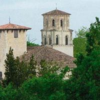 Tour de l'Abbaye de Vertheuil, dans le vignoble du Médoc